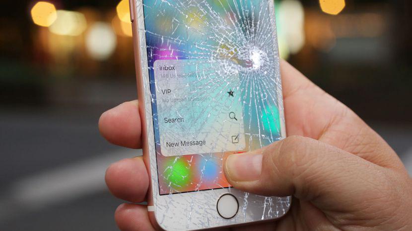 Разбилось просто стекло на iPhone 6S - Все работает!